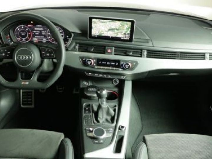 Audi A4 Avant 2.0 TDI 190CH S LINE GRIS   DAYTONA - 4