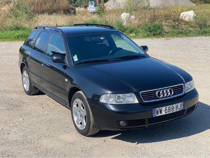 Audi A4 Avant 2.4 V6 165ch  Noir - 1