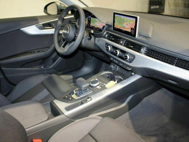 Audi A4 Avant 2L TFSI Quattro S TRONIC gris  - 10
