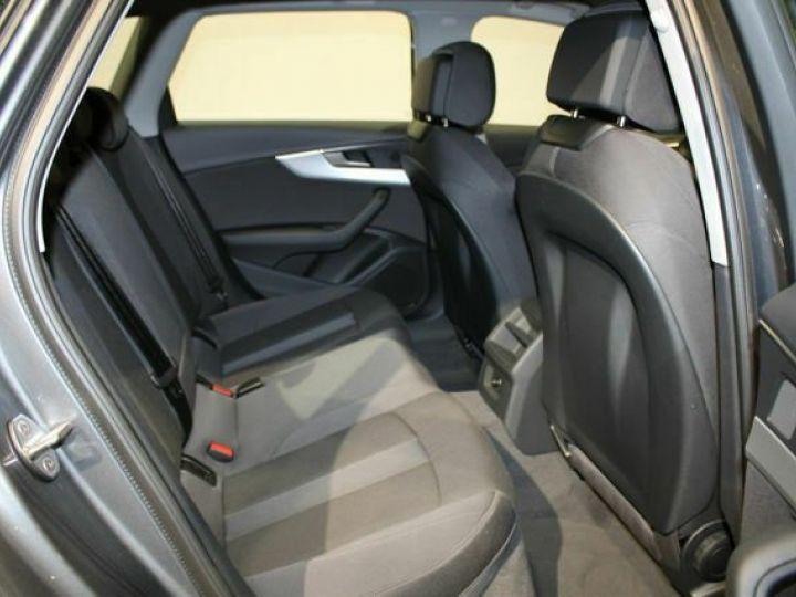 Audi A4 Avant 2L TFSI Quattro S TRONIC gris  - 11