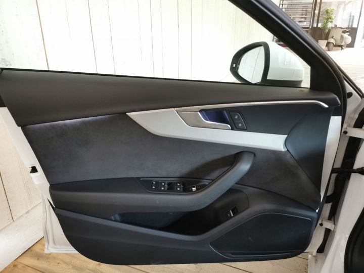 Audi A4 Avant 3.0 TDI 272 CV DESIGN LUXE QUATTRO BVA Blanc - 8