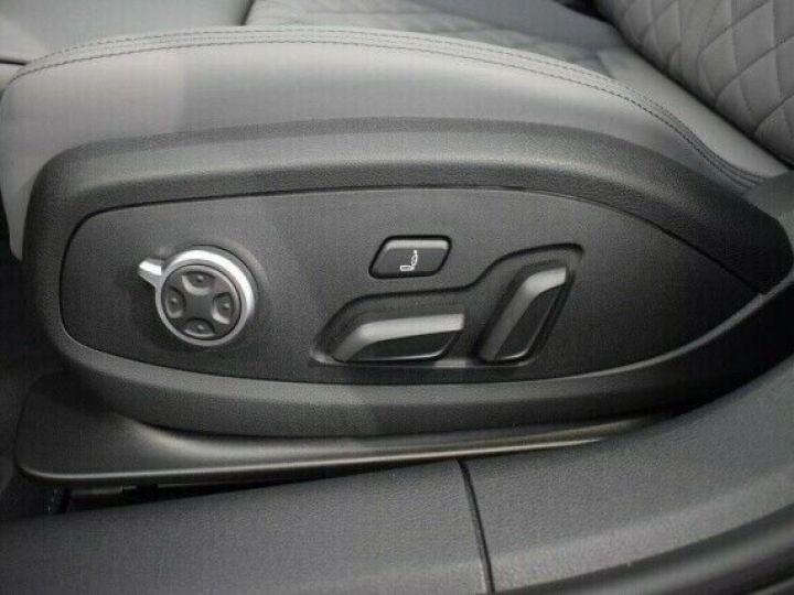 Audi A4 Avant 40 TDI S LINE COMPETITION S TRONIC  NOIR MYTHOS  Occasion - 8