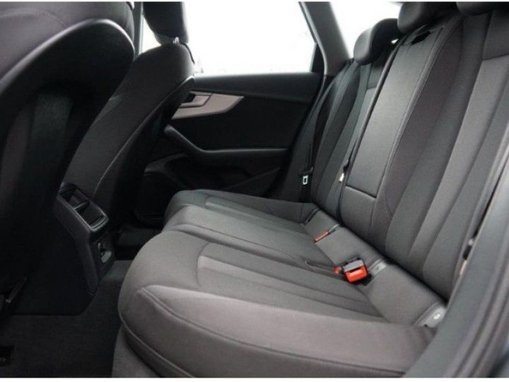 Audi A4 Avant V 2.0 TFSI 190 Sport S-tronic(06/2018) gris mousson  métallisé - 12