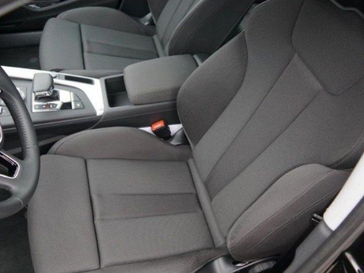 Audi A4 V 2.0 TFSI 190  Sport S-tronic(04/2018) noir métal - 9