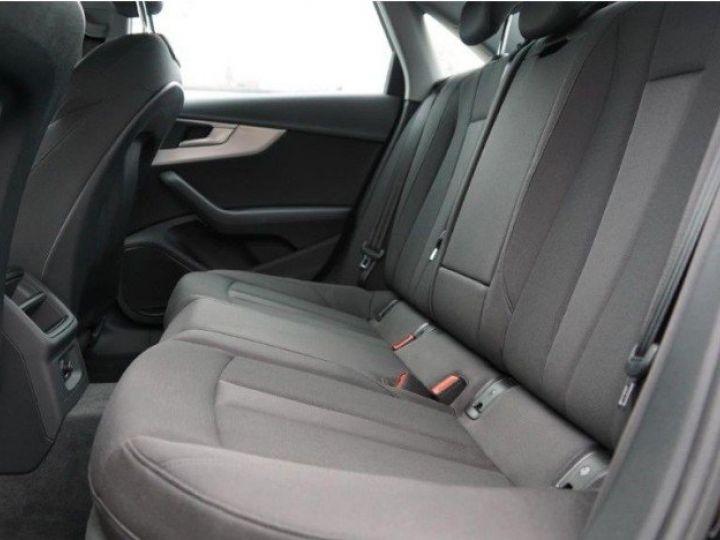 Audi A4 V 2.0 TFSI 190  Sport S-tronic(04/2018) noir métal - 11