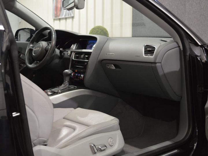 Audi A5 coupe restyle 3.0 v6 tdi 245ch QUATTRO ambition luxe stronic historique complet orig. France NOIR - 10