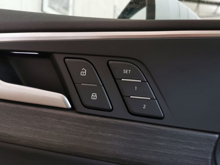 Audi A5 Sportback 50 TDI 286 CV DESIGN LUXE QUATTRO BVA Blanc - 9