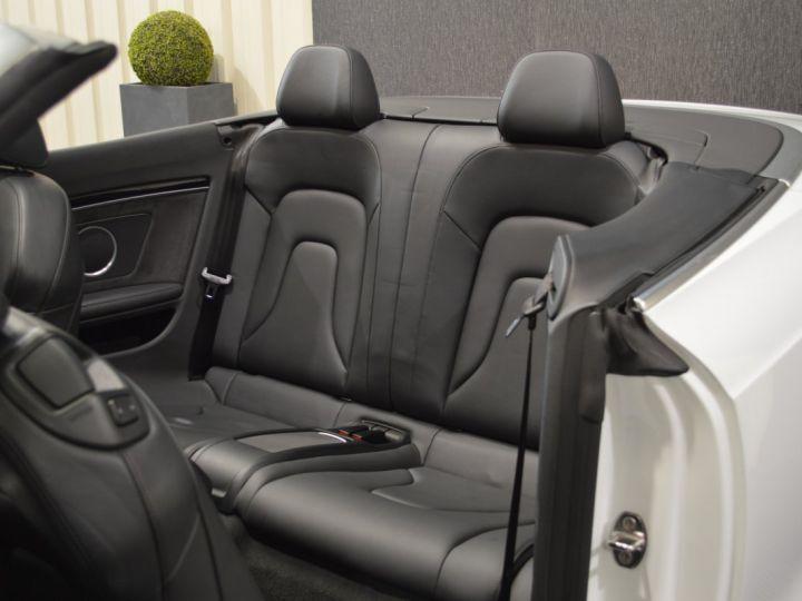 Audi A5 Superbe cabriolet 3.0 tdi v6 245ch quattro stronic sline plus 1ere main 20 camera attelage BLANC GLACIER - 14