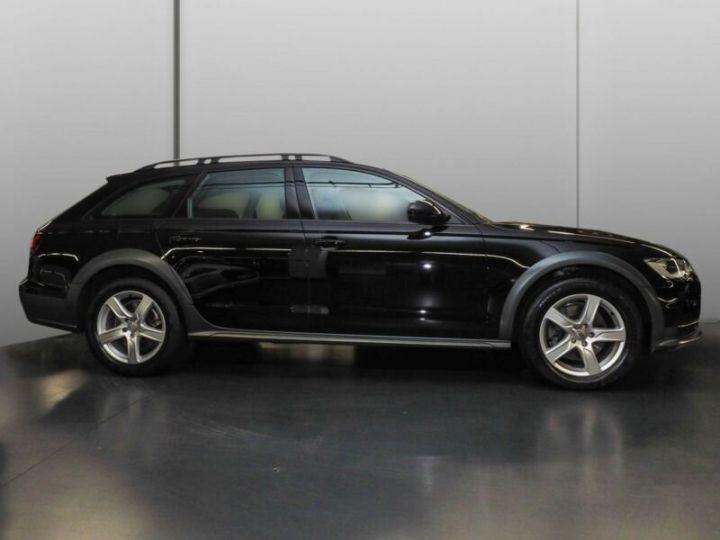 Audi A6 Allroad noire - 2