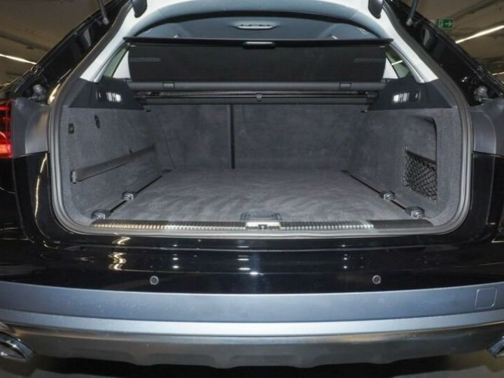 Audi A6 Allroad noire - 6