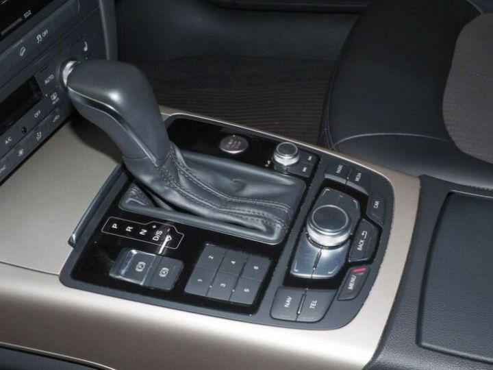 Audi A6 Allroad noire - 8