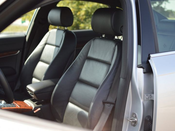 Audi A6 Audi a6 III berline 2.4 v6 177ch ambition luxe multitronic historique complet audi GRIS ARGENT - 12