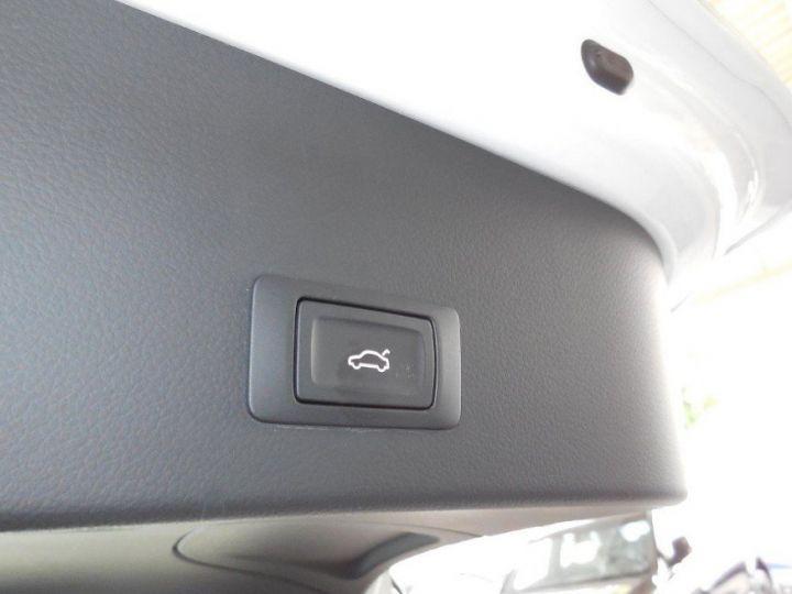 Audi A6 Avant Audi A6 Avant 2.0 TDI ultra S line(01/2017) blanc metal - 12