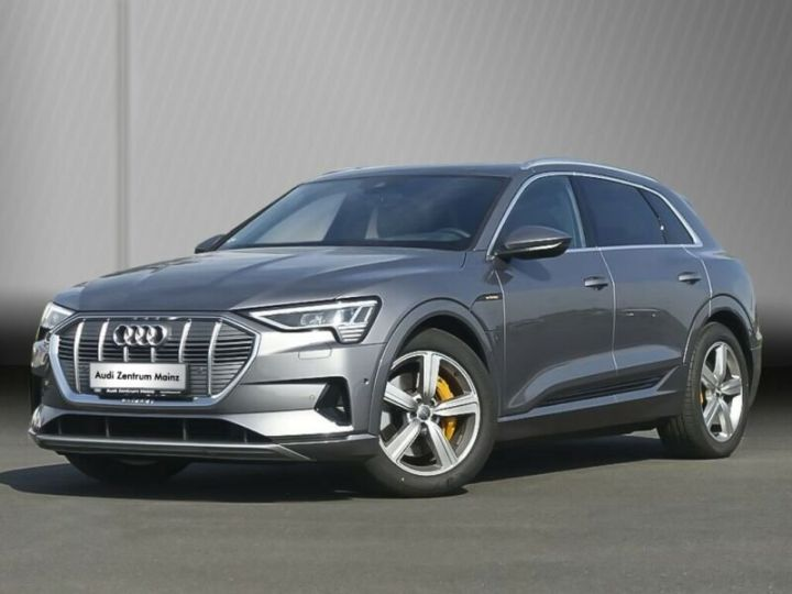 Audi E-tron gris  - 1
