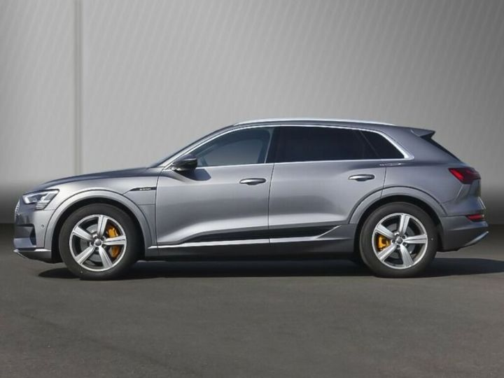 Audi E-tron gris  - 3
