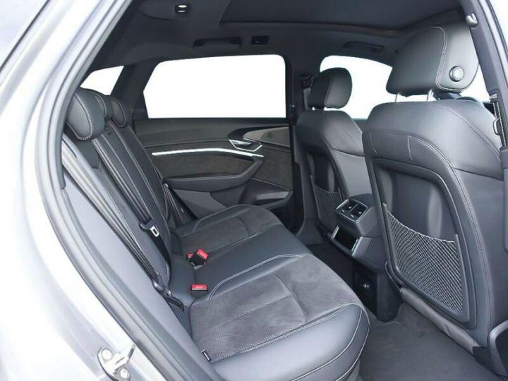 Audi E-tron gris  - 6