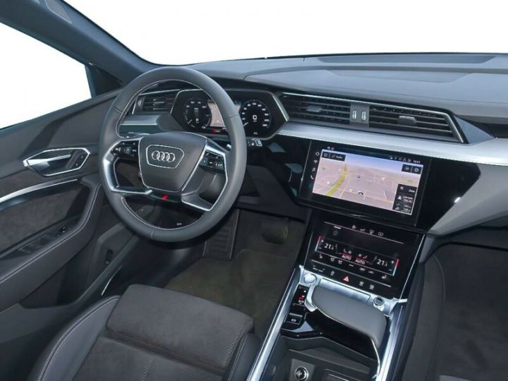 Audi E-tron gris  - 8