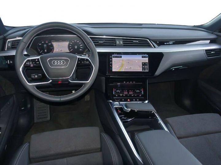 Audi E-tron gris  - 9