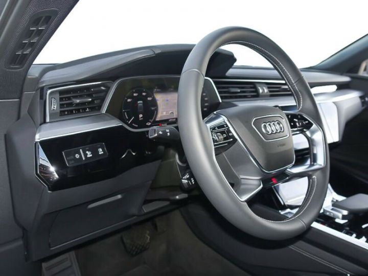 Audi E-tron gris  - 10