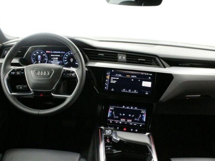 Audi E-tron noir - 6
