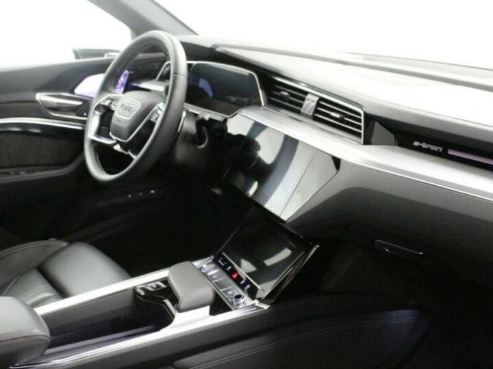 Audi E-tron noir - 8