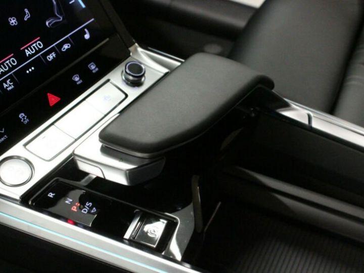 Audi E-tron noir - 9