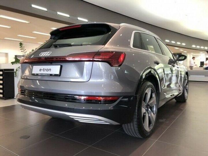 Audi E-tron 55 QUATTRO GRIS  - 3