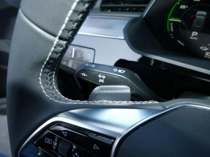 Audi E-tron s-line  noir mythos métallisé - 12