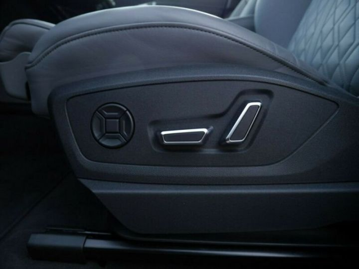 Audi E-tron s-line  noir mythos métallisé - 13