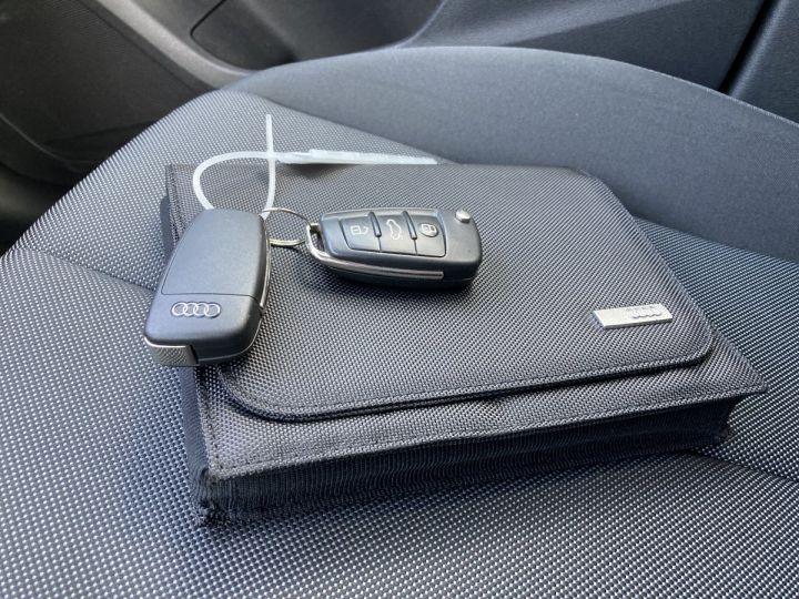 Audi Q2 1.4 TFSI 150 COD DESIGN gris nano - 4