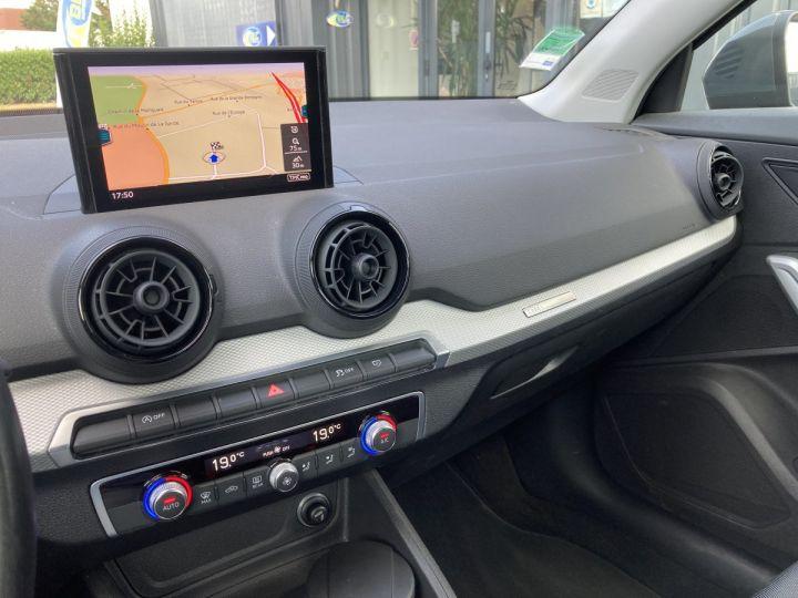 Audi Q2 1.4 TFSI 150 COD DESIGN gris nano - 5