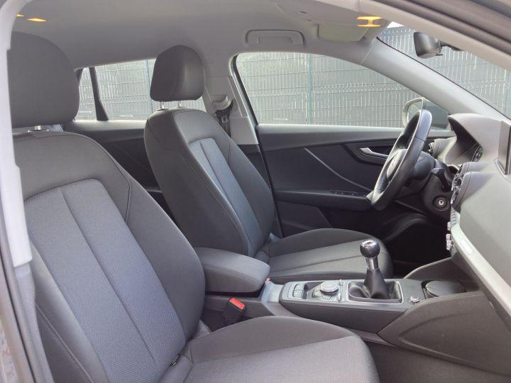 Audi Q2 1.4 TFSI 150 COD DESIGN gris nano - 10