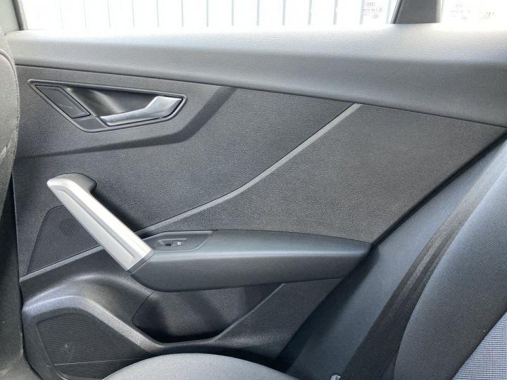 Audi Q2 1.4 TFSI 150 COD DESIGN gris nano - 12