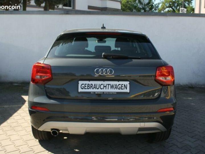 Audi Q2 1.6 TDI sport 116cv Gris - 2