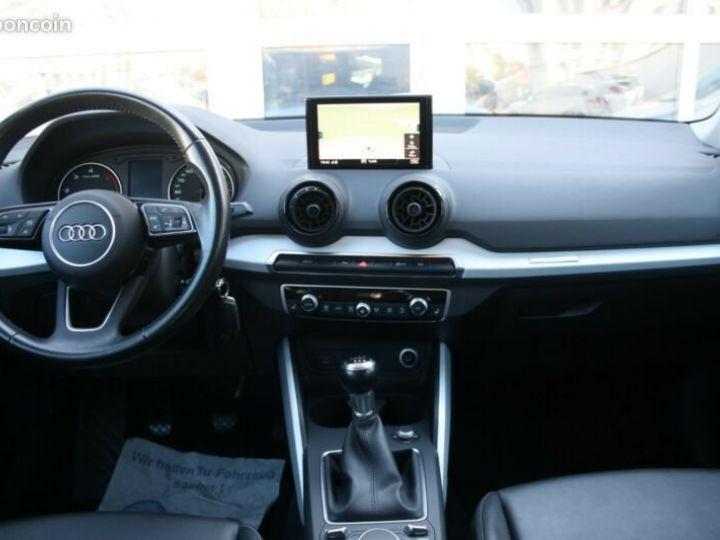Audi Q2 1.6 TDI sport 116cv Gris - 5