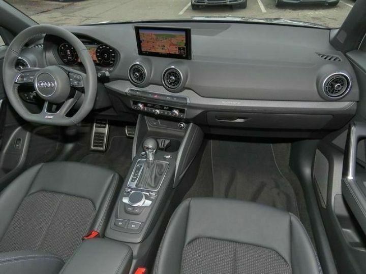 Audi Q2 2.0 TDI 150 QUATTRO S LINE EDITION  QUANTUM GRAU  Occasion - 5