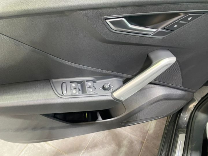 Audi Q2 35 1.5 TFSI 150 S TRONIC 7 BUSINESS LINE GRIS FONCE - 8