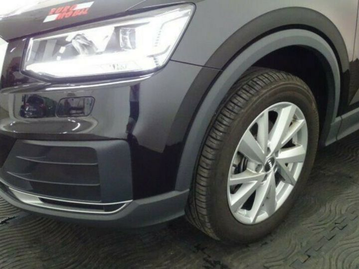 Audi Q2 35 TDI  150 S tronic Desing (03/2019) noir métal - 6