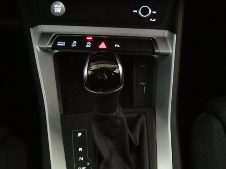 Audi Q3 35 TFSI 150 CV SLINE BVA Blanc - 13