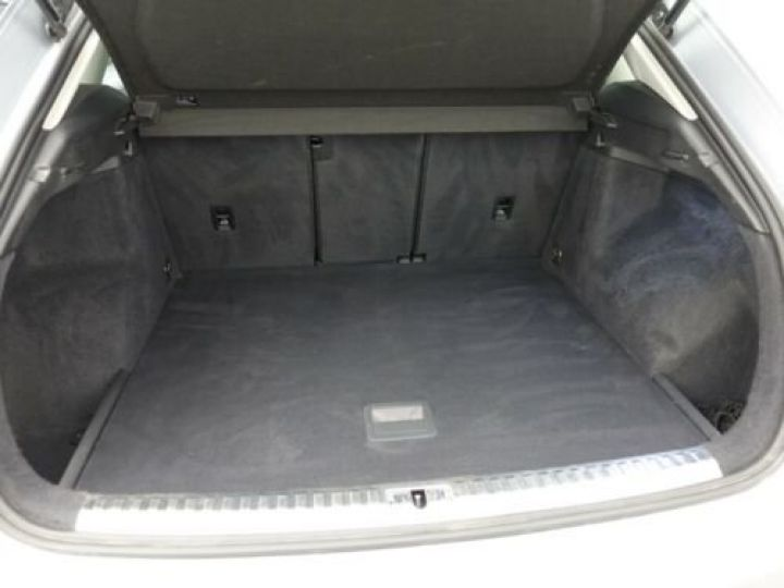 Audi Q3 35 TFSI S Tronic Advanced / Phare LED / Cockpit Virtuel /Régulateur adaptatif / GPS / Garantie 12 mois  Gris métallisée  - 6