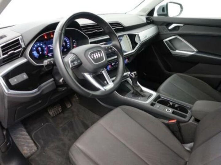 Audi Q3 35 TFSI S Tronic Advanced / Phare LED / Cockpit Virtuel /Régulateur adaptatif / GPS / Garantie 12 mois  Gris métallisée  - 10