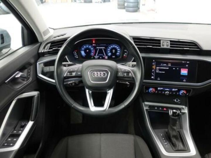 Audi Q3 35 TFSI S Tronic Advanced / Phare LED / Cockpit Virtuel /Régulateur adaptatif / GPS / Garantie 12 mois  Gris métallisée  - 11