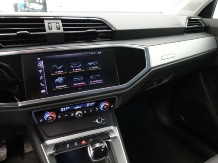 Audi Q3 35 TFSI S Tronic Advanced / Phare LED / Cockpit Virtuel /Régulateur adaptatif / GPS / Garantie 12 mois  Gris métallisée  - 12
