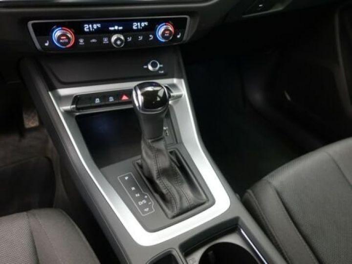 Audi Q3 35 TFSI S Tronic Advanced / Phare LED / Cockpit Virtuel /Régulateur adaptatif / GPS / Garantie 12 mois  Gris métallisée  - 13