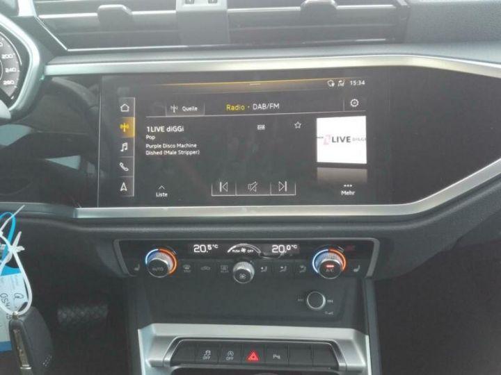 Audi Q3 # 35 TFSI S-Tronic S-Line # Hybride  Gris Peinture métallisée - 9