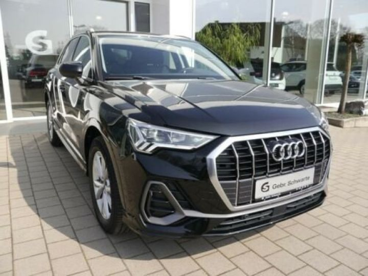 Audi Q3 35 TFSI S-Tronic S line /Toit PANO/ Phare LED/GPS/Garantie 12 mois/Régulateur adaptatif Noir mythos  - 1