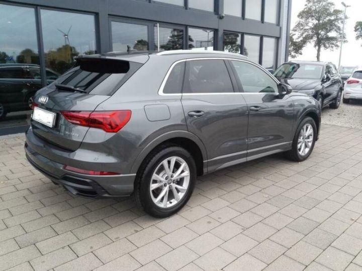 Audi Q3 # Hybride (essence/électricité) # Inclus Carte Grise,Malus écolo et livraison à domicile # Gris Peinture métallisée - 3