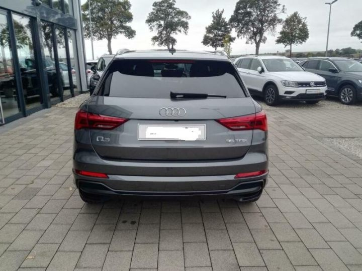 Audi Q3 # Hybride (essence/électricité) # Inclus Carte Grise,Malus écolo et livraison à domicile # Gris Peinture métallisée - 8