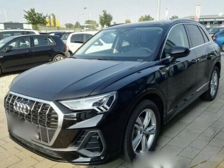 Audi Q3 s-line NOIR - 1