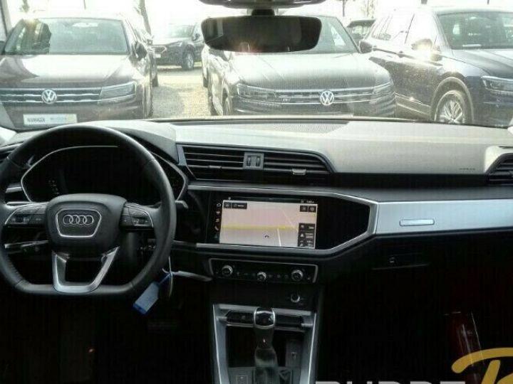 Audi Q3 s-line NOIR - 4